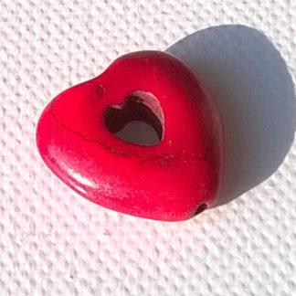 Korálky Howlit SRDCE 2 cm červené